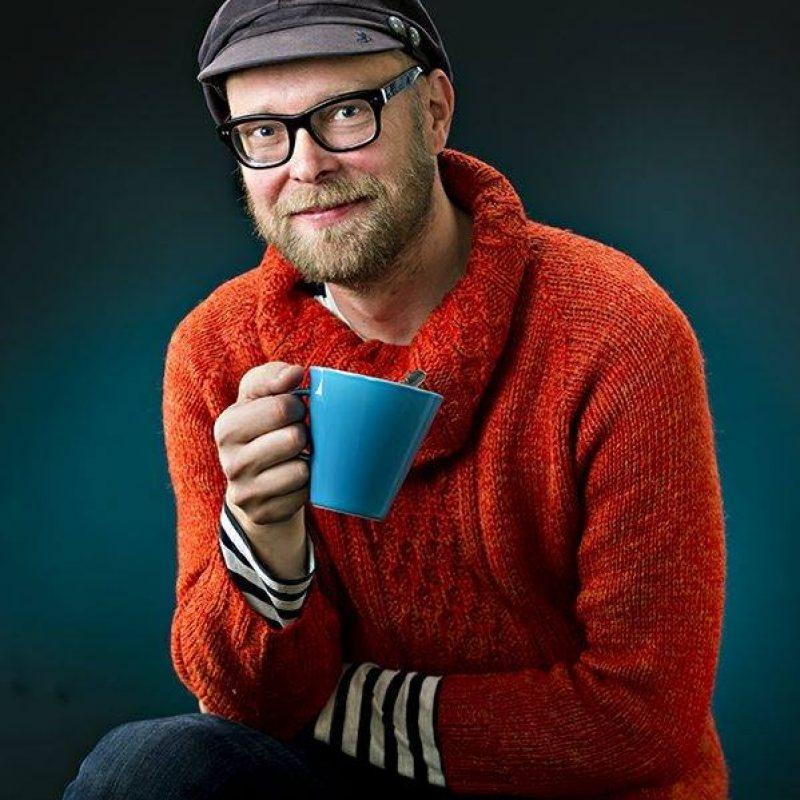 Kahvi on säveltäjälle arvokas työkalu. Kuva: Valtteri Lipastin arkisto